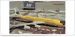 Braniff International Airways Boeing B.707-227 N7073