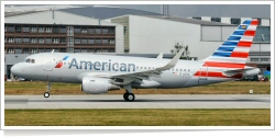 American Airlines Airbus A-319-112 D-AVXA