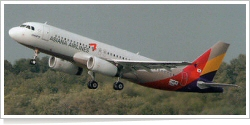Asiana Airlines Airbus A-320-232 F-WWIM